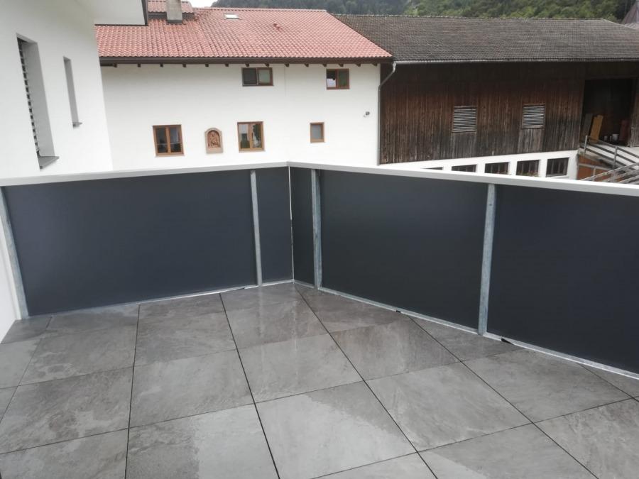 Sichtschutzfolie auf Balkon, Privathaus Tirol 4