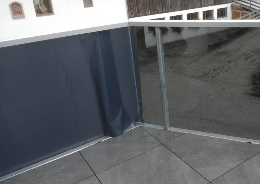 Sichtschutzfolie auf Balkon, Privathaus Tirol 3